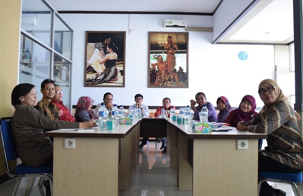 seminar Manajemen Administrasi Perkantoran Modern