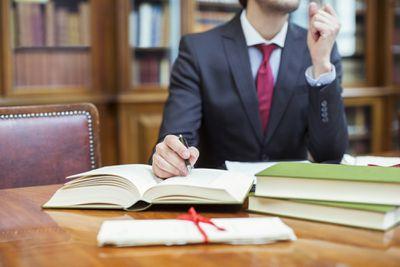 Pelatihan Legal Drafting and Writing Skills